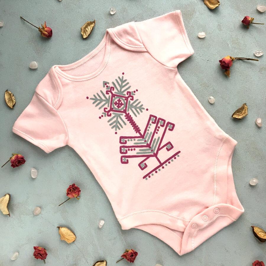 Laimes krekliņš-bodijs (rozā ar īsām piedurknēm)